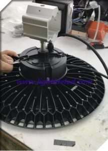 emergency UFO LED high bay light fixture production process-2_battery